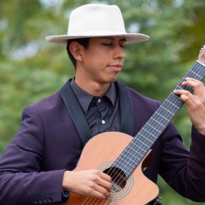 Alejandro Aguanta
